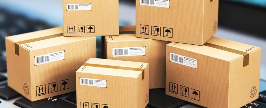Spedire un pacco con corriere: come organizzare il primo ordine
